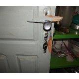 Chaveiro urgente 24hrs para arrumar porta arrombada na Bela Vista