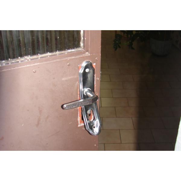 Chaveiro urgente 24hrs para arrumar porta  em Santo Amaro